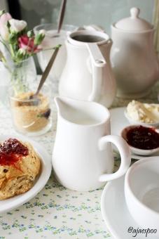 APR18 - London - Tea time (5) NAMEMARK