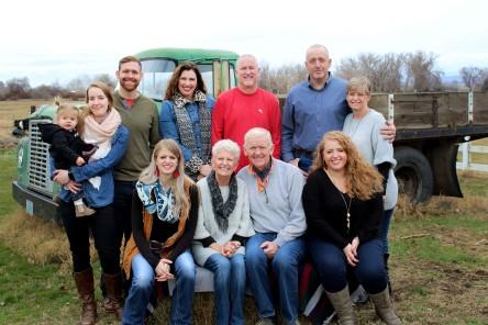2018 Holiday Photos - Whole Family (4)